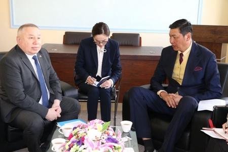 Казахстан улсаас Монгол улсад суугаа онц бөгөөд бүрэн эрхт элчин сайд Ж.Адилбаевтай албан уулзалт