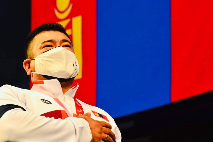 """Монгол Улсын Гавьяат Тамирчин Э. Содномпилжээ """"Токио-2020"""" Паралимпын аварга боллоо."""